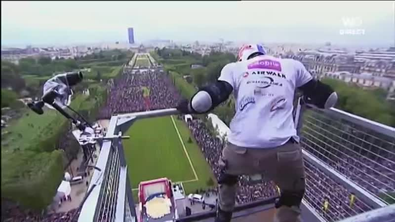 Taïg Khris Jumping from the first floor of the Eiffel Tower 40 meters high