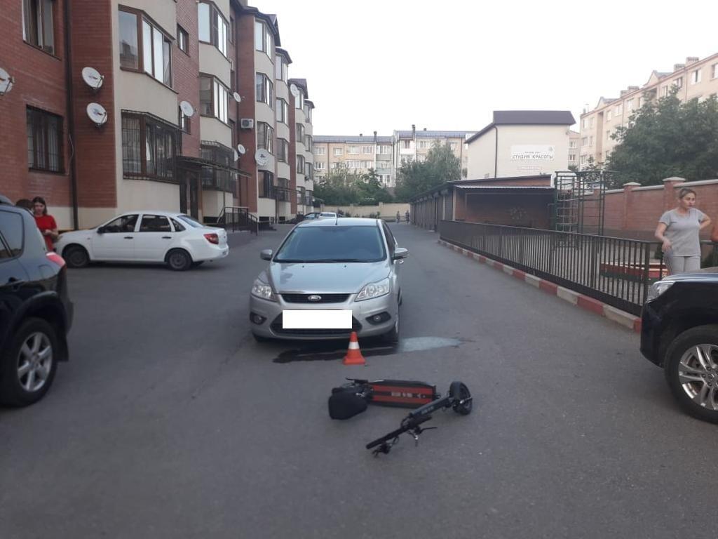 Ребенок получил перелом бедра после столкновения с автомобилем водителя из КЧР