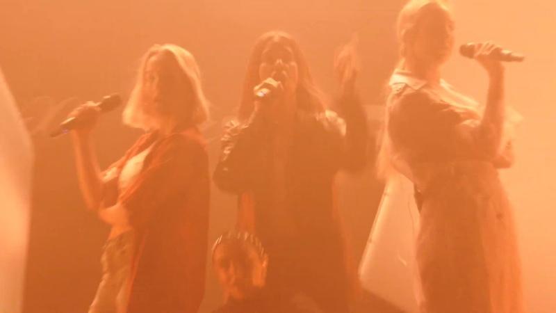 Charli XCX - Warm (feat. HAIM) - CLIP - LIVE @ The Wiltern - LA - 10-01-19