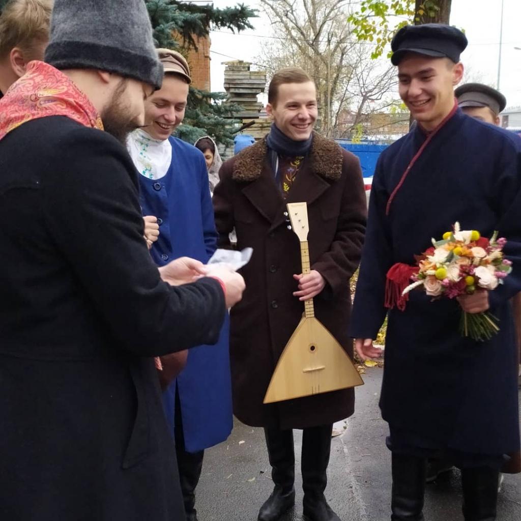 В Челябинске отпраздновали русскую народную свадьбу