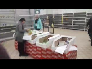 Жители Казани атаковали супермаркет из-за больших скидок на продукты