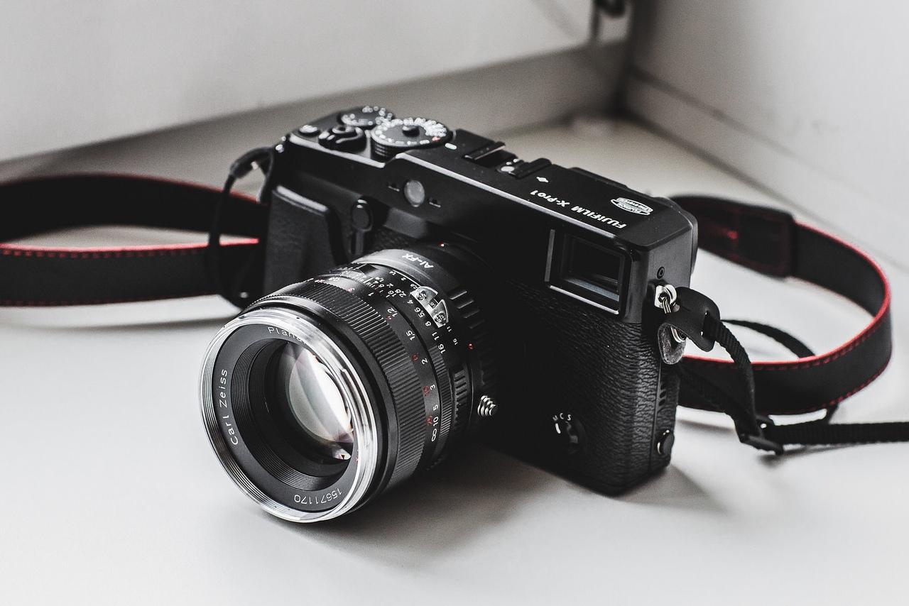 Мой первый Fuji, купленный еще в 2013г, и это в принципе самая первая модель Fujifilm X на рынке!