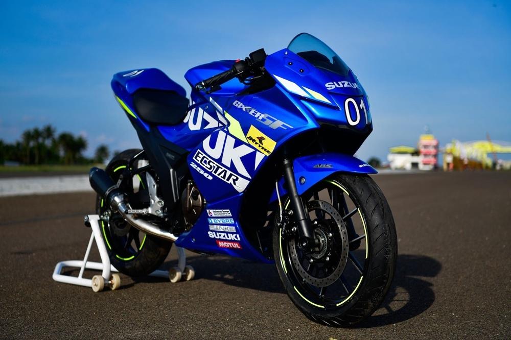 Спортбайк Suzuki Gixxer SF250 MotoGP Edition
