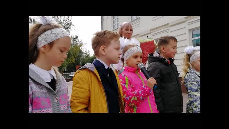 1 сентября , воскресная литургия архиерейским чином.Благословение учащихся православной гимназии. Альметьевск.01.09.19.