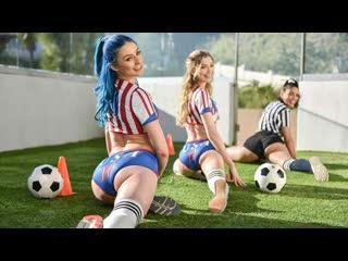 BFFS Vanessa Sky, Mackenzie Moss, Jewelz Blu - Scoring For Captain / NewPorn2020