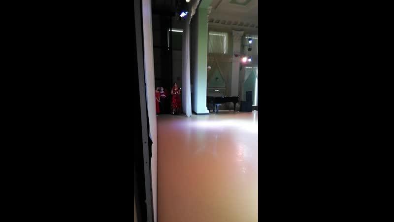 Медведева Ксения - фламенко импровизация под гитары Барнаул 23.02.2020 Arabik fashion week