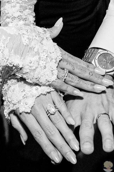 Платье, поцелуи, кольца: Хейли Болдуин показала новые фото со свадьбы 30 сентября 25-летний Джастин Бибер и 22-летняя Хейли Болдуин сыграли вторую свадьбу в Montage Palmetto Bluff в Южной