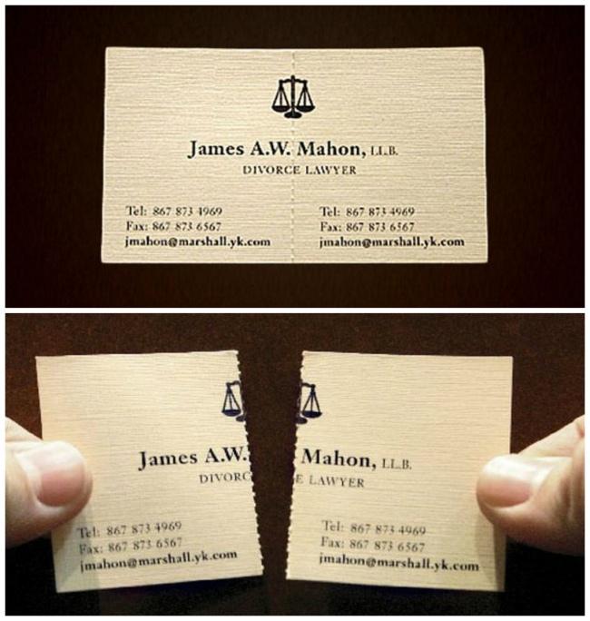 Адвокат по разводам оставил контактную информацию на обеих половинах визитки