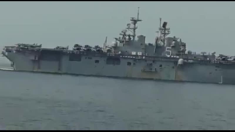 КСИР заснял американский корабль Батаан входящий в Ормузский пролив несколько дней назад Иран