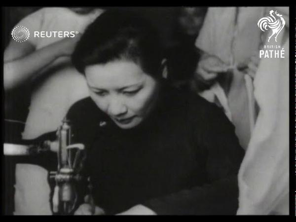 CHINA Madame Kai Shek does hospital work 1938
