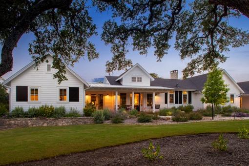 modern ranch home - 990×660