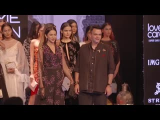 Ракул Прит Сингх на Lakme Fashion Week 2019