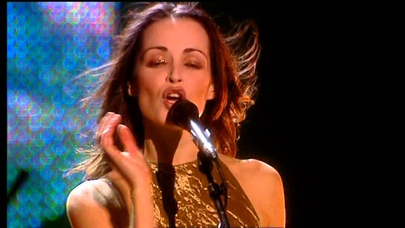 The Corrs Live in London - Breathless (Andrea Corr , Caroline Corr, Sharon Corr Jim Corr Angles)