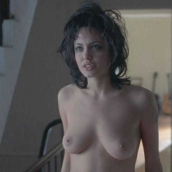 Angelina jolie gia naked