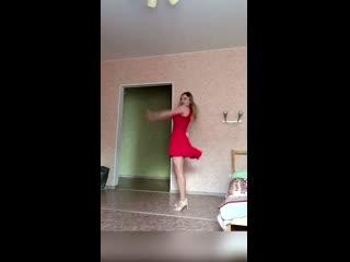 Ксения Саватеева. Потанцуем?