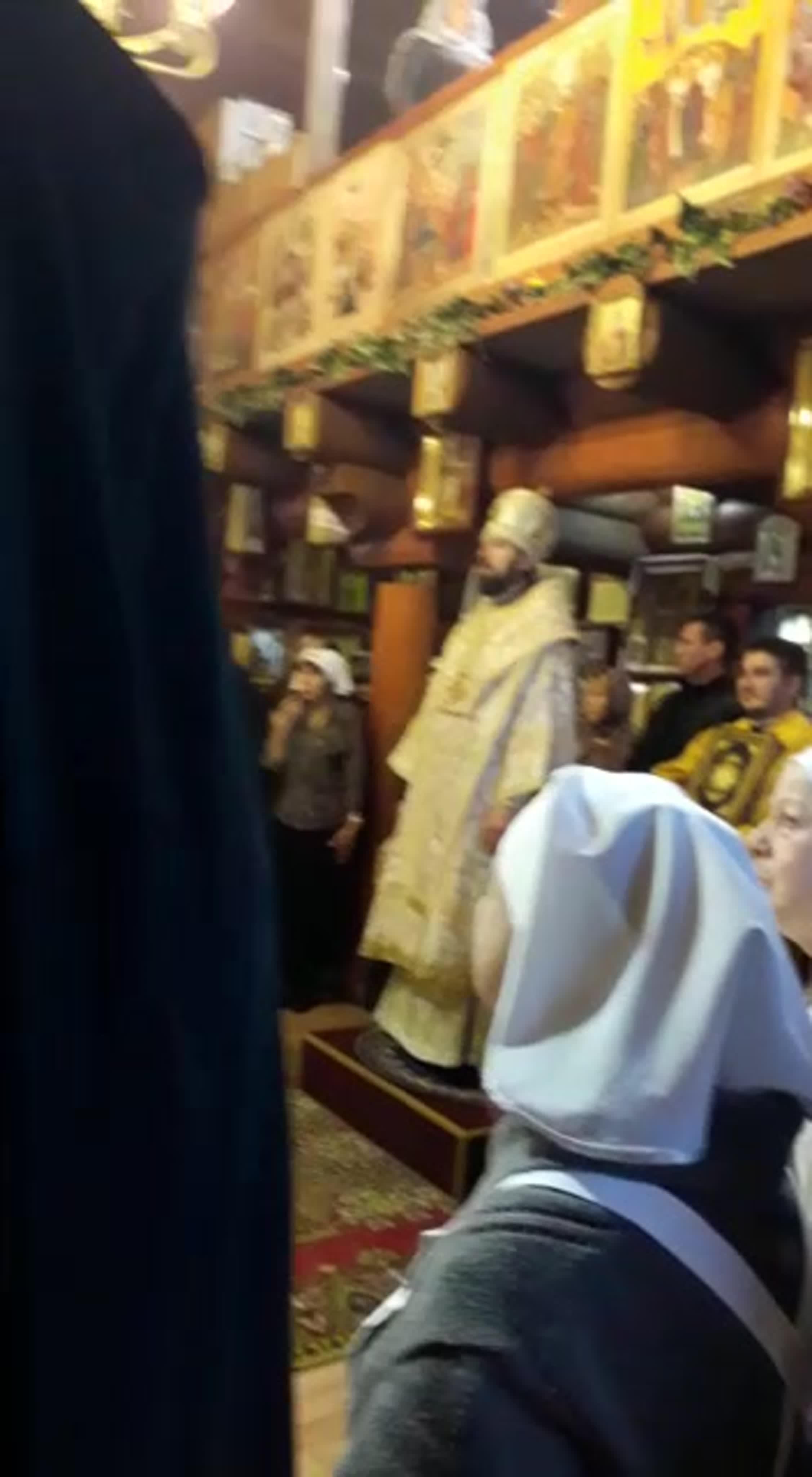 В минувшее воскресенье Литургию в нашем храме возглавил Его Преосвященство, Преосвященнейший епископ Гатчинский и Лужский Митрофан, в сослужении настоятеля храма о.