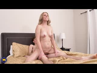 Lacy B. Cummings (53) - A shy toyboy gets turned into a man by hot MILF [2020, Blowjob, Facial, MILF, Old & young, 1080p]