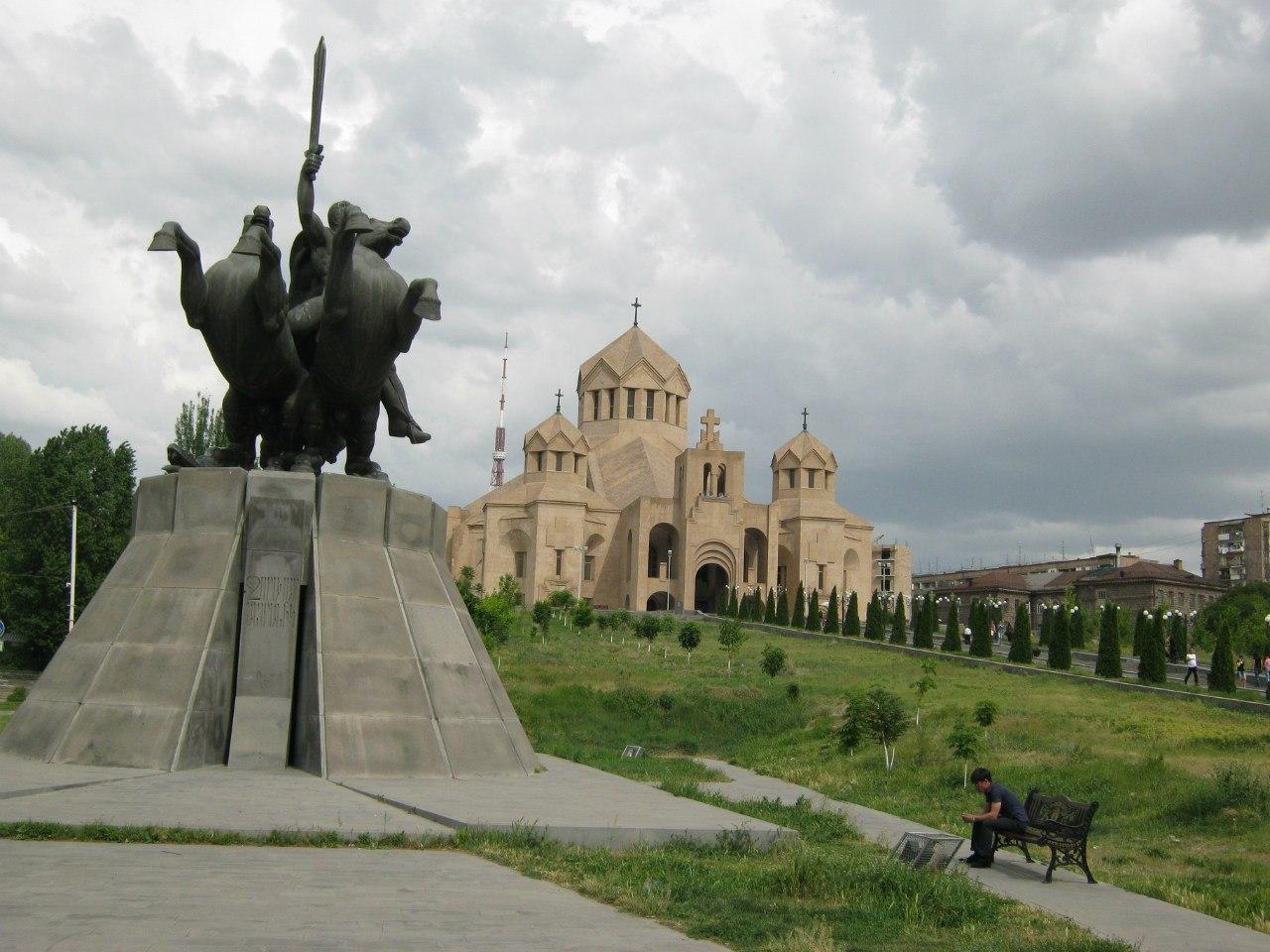 главный современный храм Еревана