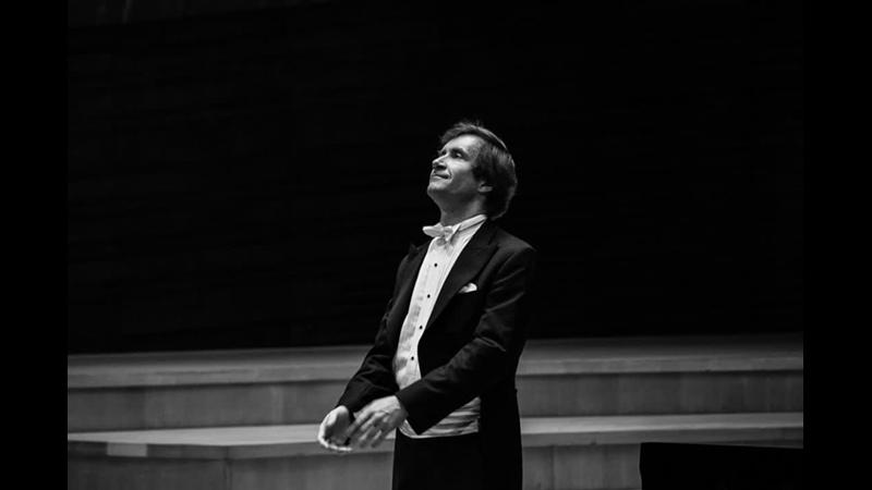 Лунный свет Клода Дебюсси исполняет Николай Луганский