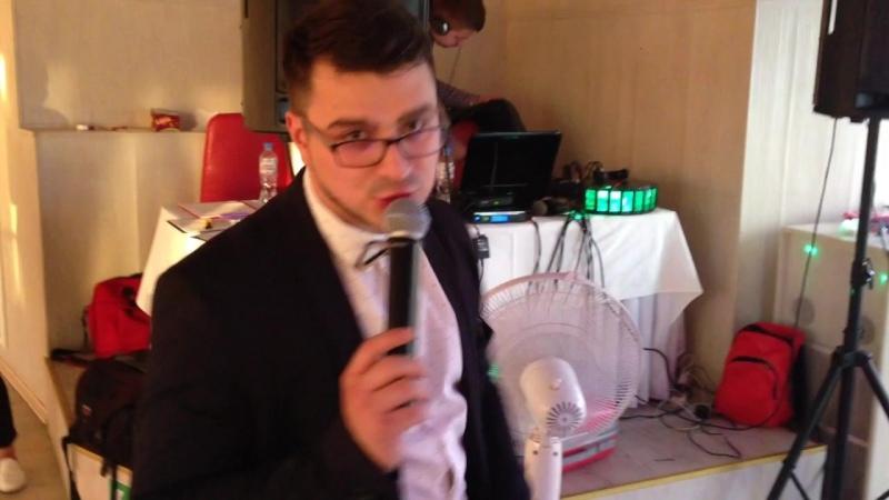 Филипп Грасмик ведущий свадеб свадебный ведущий ведущий на свадьбу Свадьба Кати И Саши Ресторан DOZARI Спб