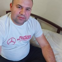 Идрис Камолов