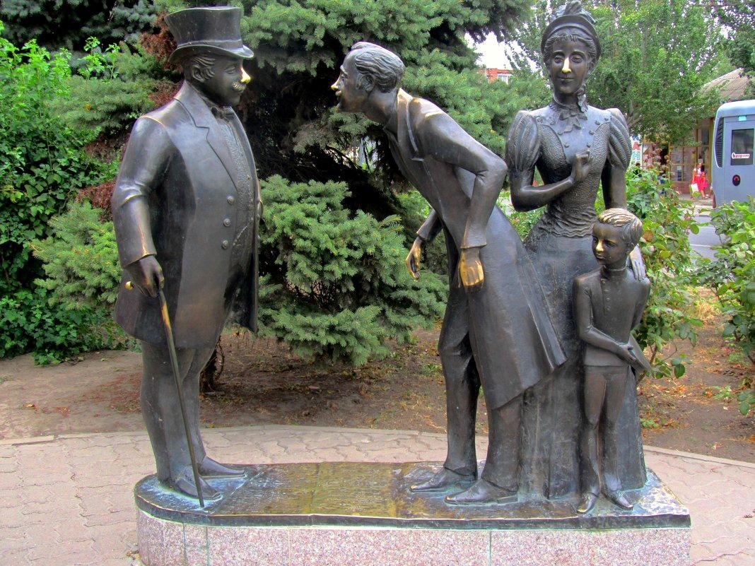 В городе Таганроге отреставрируют две скульптуры