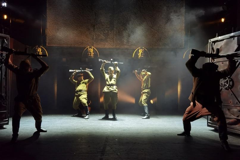 Спектакль «Рядовые» Театра драмы и кукол «Святая Крепость» (Выборг)