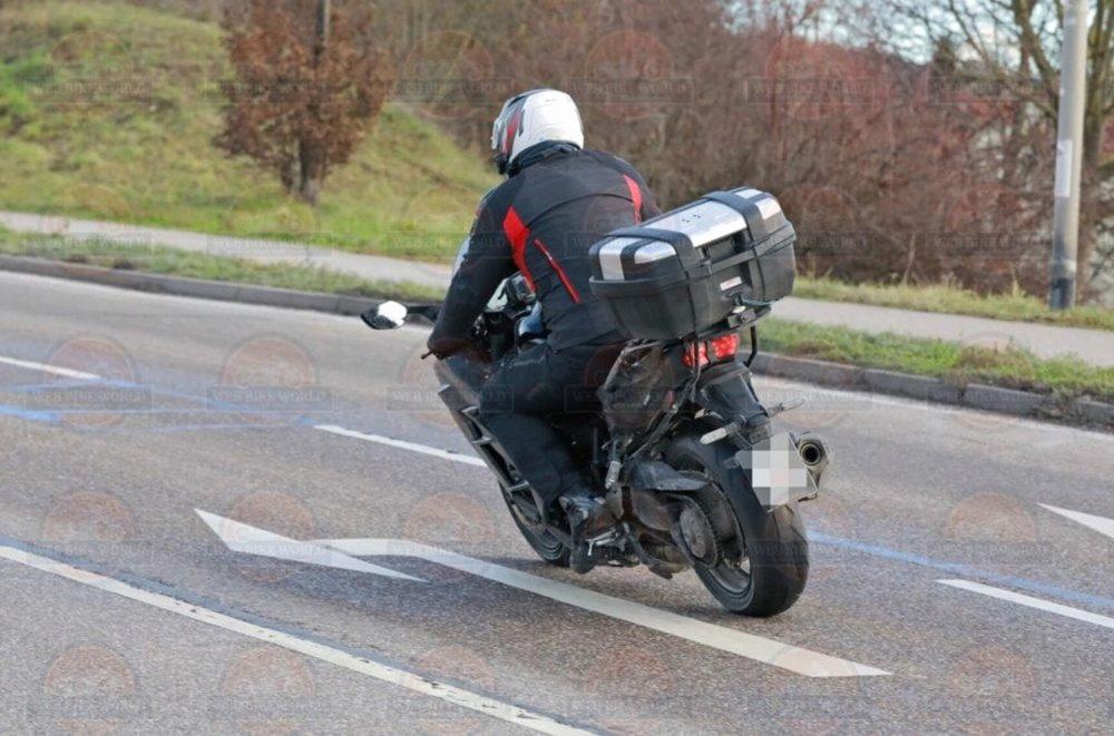 Шпионские фото Kawasaki H2 SX