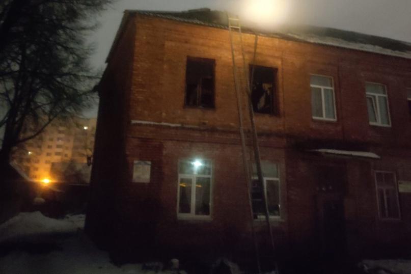 В многоквартирном доме в Борисове вспыхнул пожар