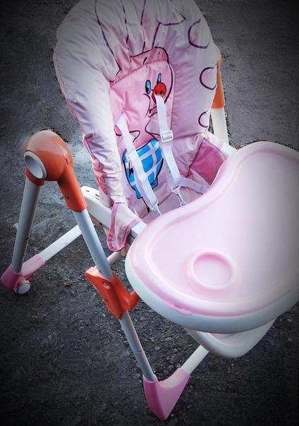 Продам стульчик для кормления. Регулируется высота...