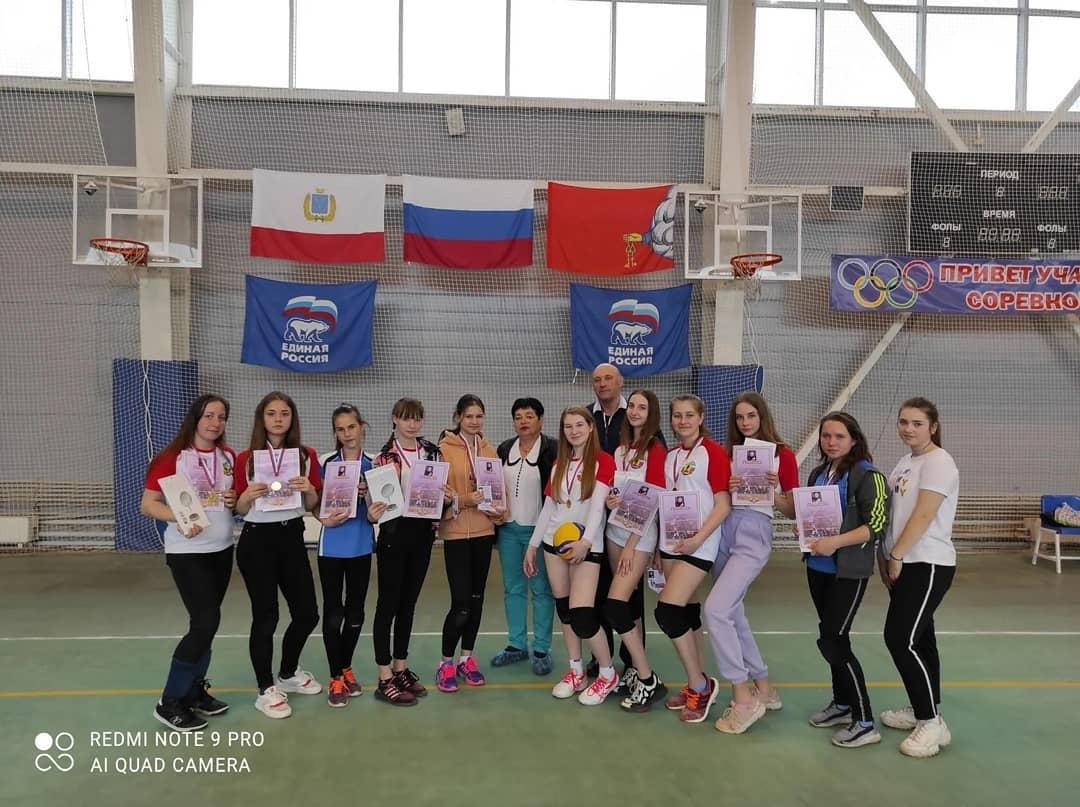 В Петровске прошёл турнир по волейболу среди девушек