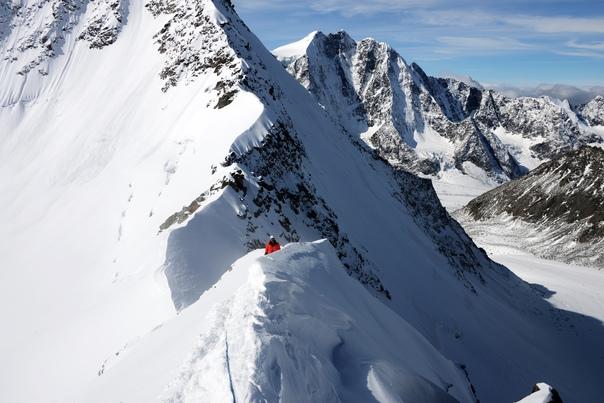 Только альпинисты знают, сколько силы воли и мужества нужно для отступления там, где есть хоть что-то, что оправдывало бы движение вверх.