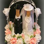 Свадебная цветочно-конфетная композиция с парой из шампанского — МК
