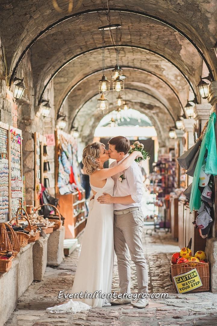 Чувства на высоте. Свадьба в Черногории, изображение №2