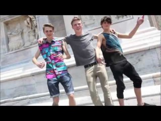 Elvis Presley - A Little Less Conversation (JXL Mix) Boys of Fashion Week Spring  / Summer 2012 3D