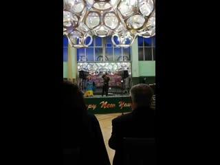Выступление цыганского ансамбля! Песня Мама.