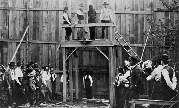 10 людей, выживших после смертной казни 1. Элизабет ПрокторЭлизабет Проктор не повезло, ее посчитали ведьмой и арестовали в 1692 году. Несмотря на показания ее друзей, она была приговорена к
