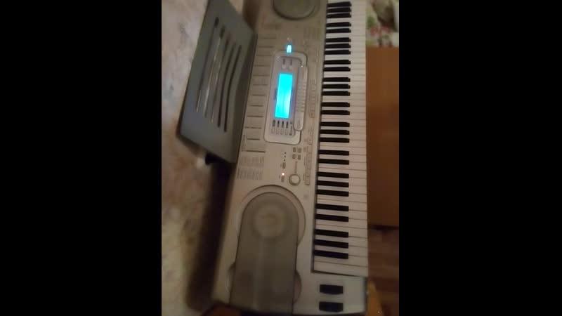 Stripped на синтезаторе играю