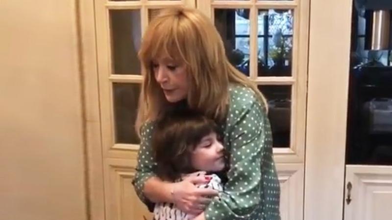 Лиза и Гарри довели маму до слез 70 летие Аллы Пугачевой