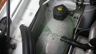 Lada XRAY: проблема с расширительным бачком охлаждающей системы