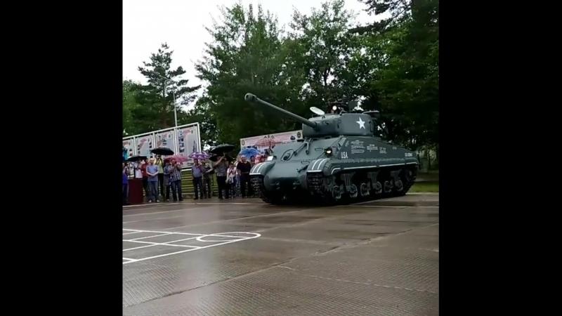 Специалисты базы хранения бронетанкового вооружения Восточного военного округа восстановили американский средний танк «Шерман»,
