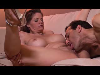 ПОРНО -- ЕЙ 39 -- МАМАША С КРАСИВЫМИ СИСЬКАМИ ДЕЛАЕТ МИНЕТ -- milf porn sex --  June Summers