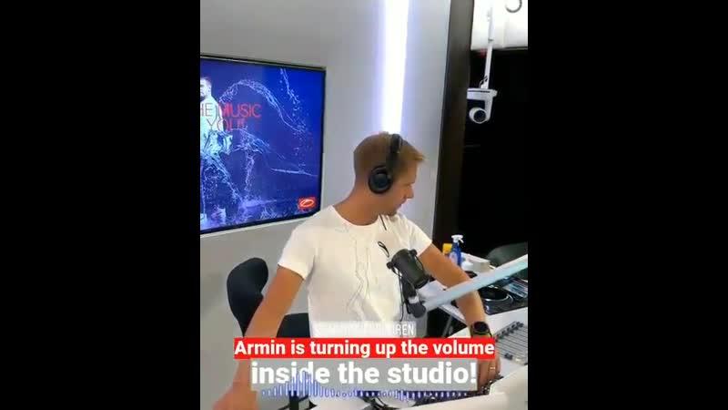 Armin van Buuren - A State of Trance 983