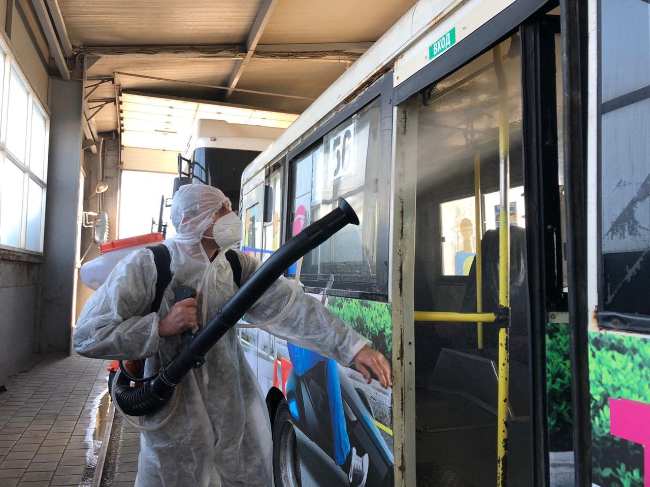 В Таганроге продолжается дезинфекция и влажная уборка общественного транспорта