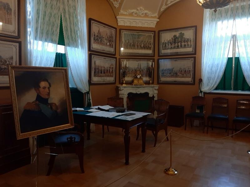 Малый кабинет Николая I в Арсенальном каре (фрагмент).